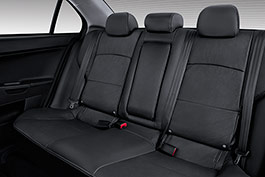 Go from passengers to cargo in no time at all with Lancer's convenient and easy 60/40 split folding rear seat
