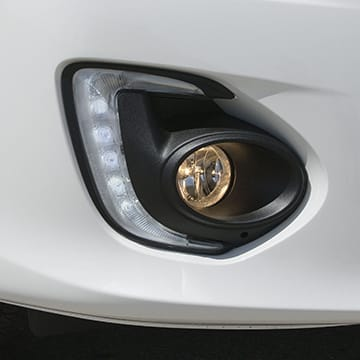 Brilliant halogen headlights, LED running lights and fog lights are standard on all Lancers for improved visibility.