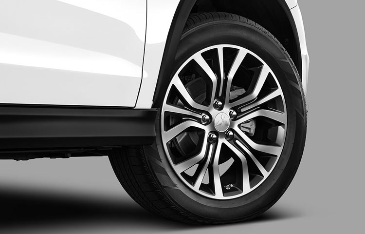 Ride in style with redesigned alloy wheels standing at an impressive 18'', standard on every trim.