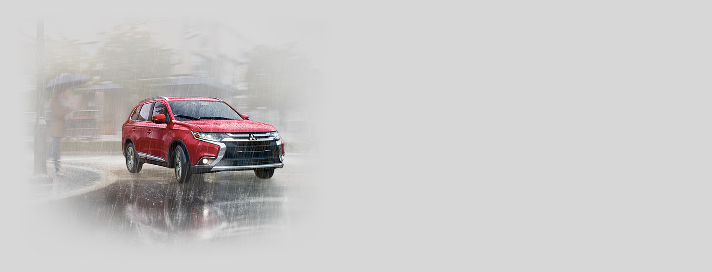 Advanced safety features activate on 2016 Mitsubishi Outlander during rain