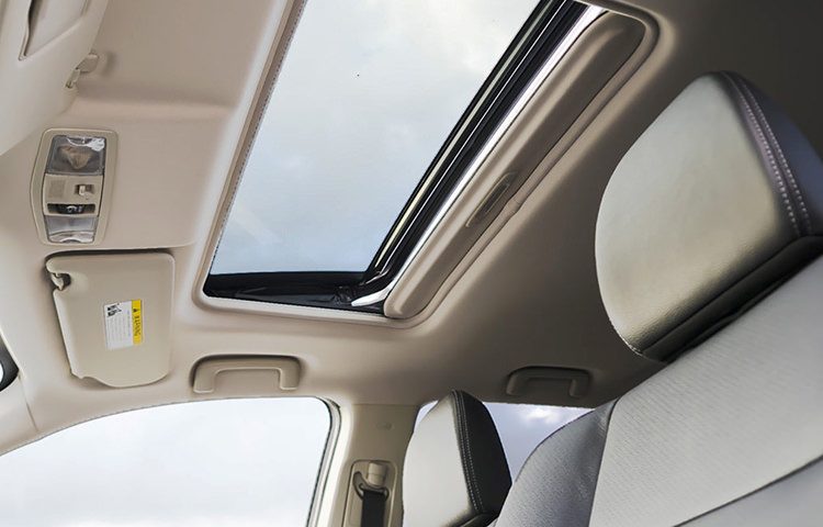 Let the world in with the easy one-touch, tilt and slide power sunroof.